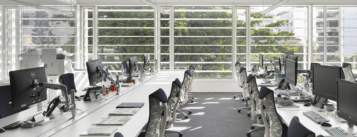 Oficinas modernas fachada oeste | Muebles de oficina Spacio