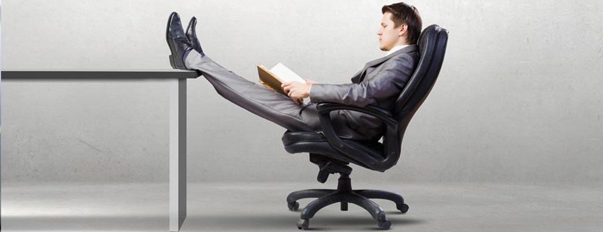 Sentarse correctamente oficina | Muebles de oficina Spacio
