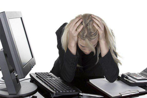 Síndrome de la oficina enferma dolores | Muebles de oficina Spacio