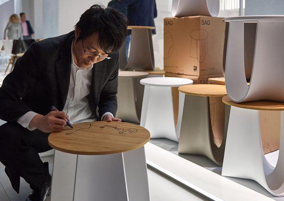 Mesa taburete Nendo | Muebles de oficina Spacio