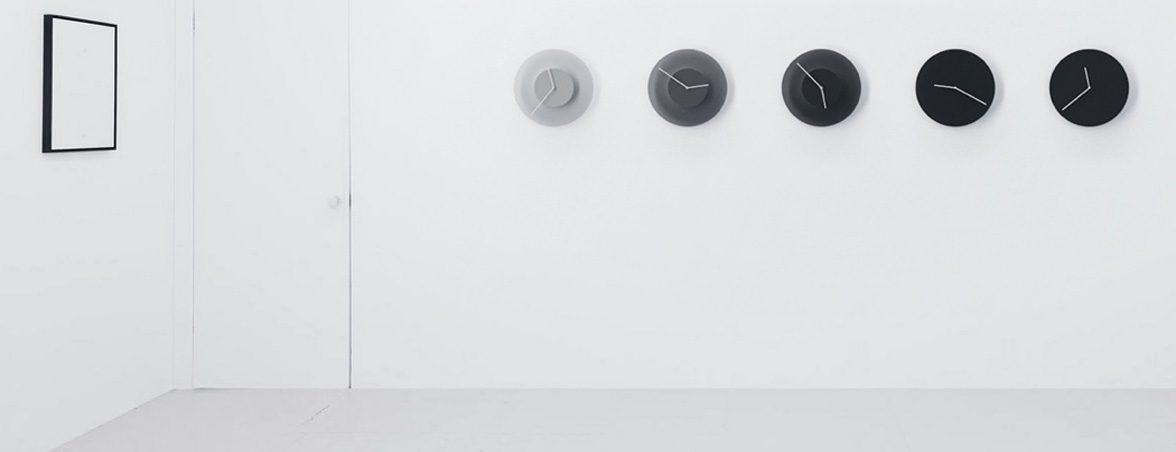 Relojes de oficina cambio de color | Muebles de oficina Spacio