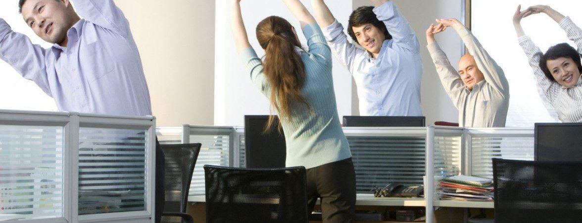 Sentarse bien dolor estiramientos | Muebles de oficina Spacio