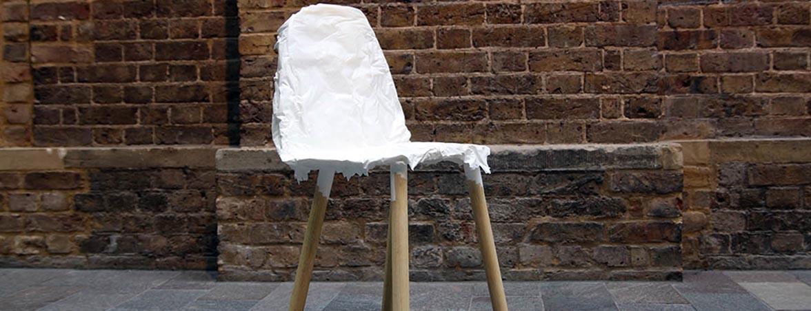 Silla confidente imperfecta patas madera | Muebles de oficina Spacio