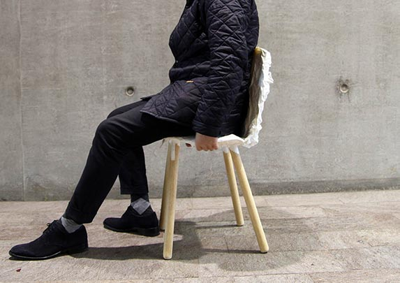 Silla confidente imperfecta sentado | Muebles de oficina Spacio