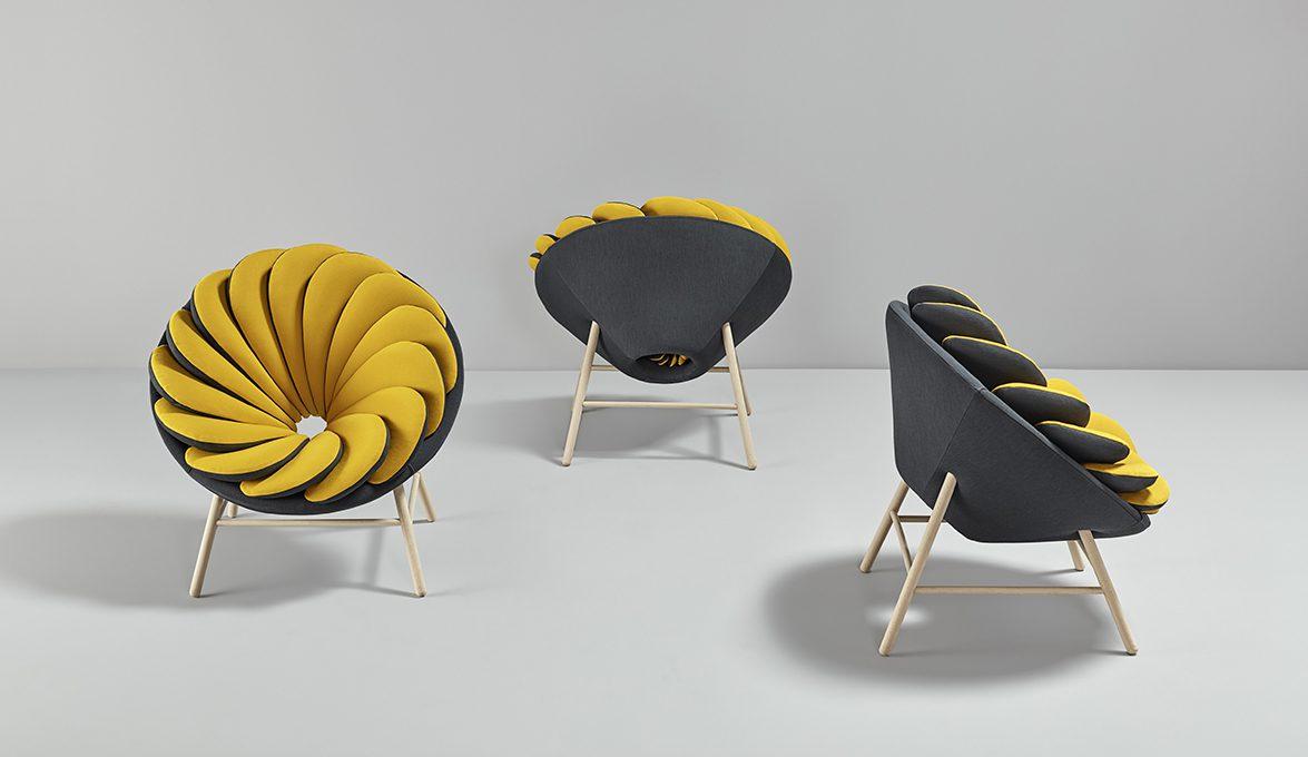 Sillas de diseño Quetzal fondo gris | Muebles de oficina Spacio