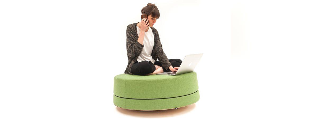 Sillones de oficina fonoabsorbentes sentado | Muebles de oficina Spacio