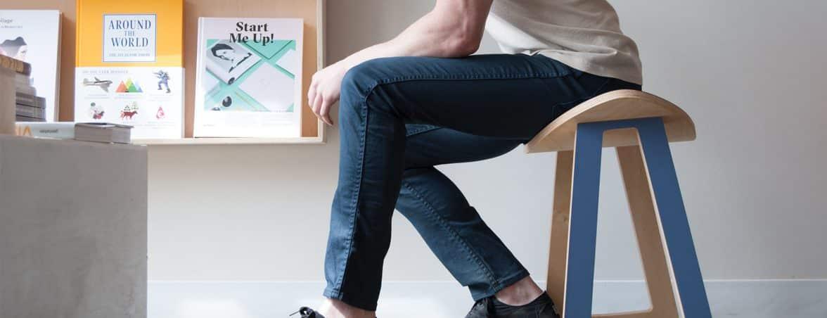 Taburete con movimiento sentado | Muebles de oficina Spacio