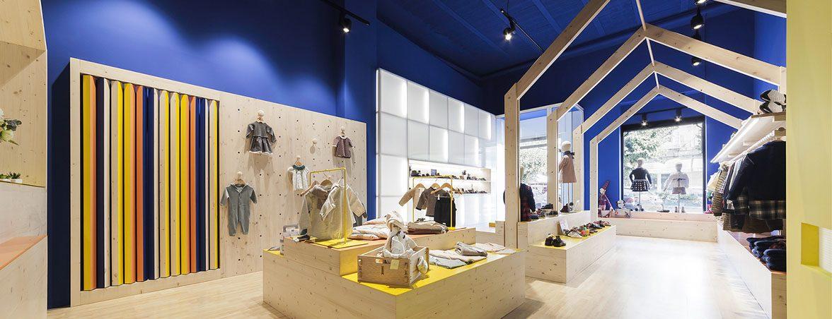 Mobiliario tienda ropa Petite Pomme | Muebles de oficina Spacio