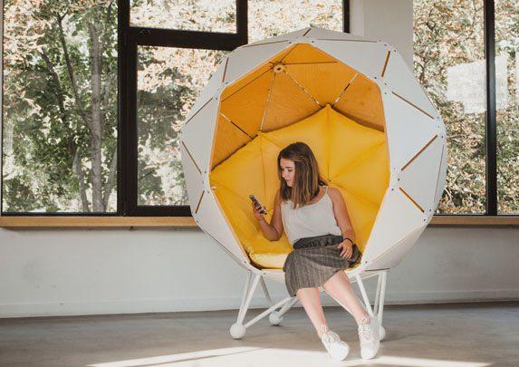 Soft-seating esférico carcasa blanca | Muebles de oficina Spacio