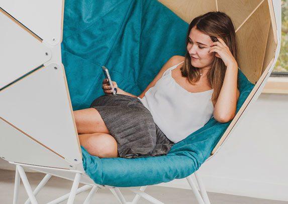 Soft-seating esférico tapizado azul | Muebles de oficina Spacio