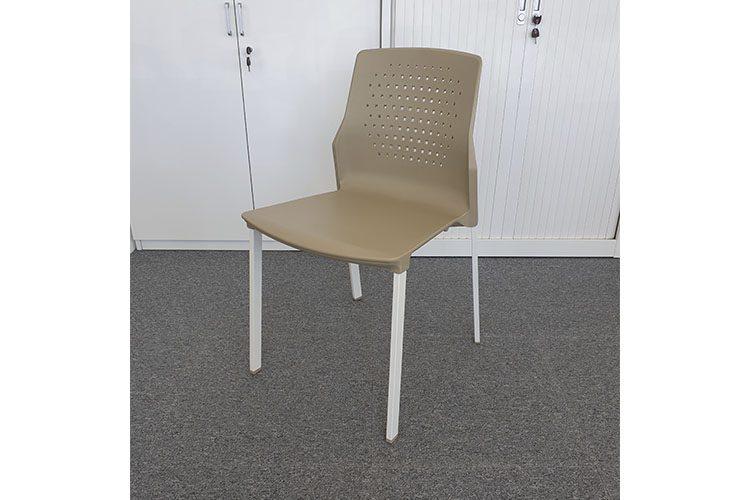 Uka Outlet | Muebles de oficina Spacio | Mesas, sillas y ...