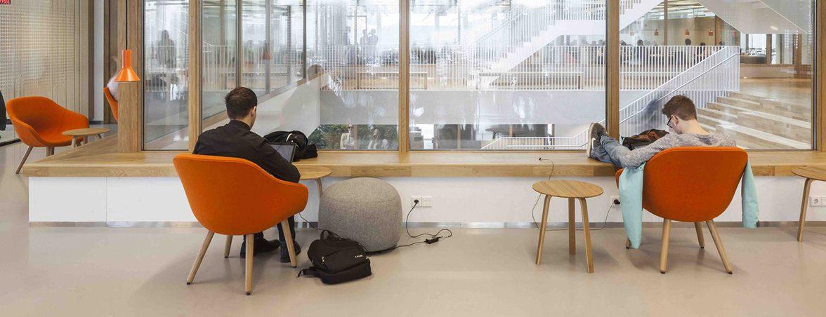 Importancia del mobiliario escolar sala espera   Muebles de oficina Spacio