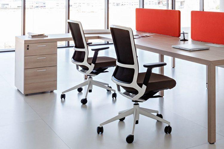 Mesa Actiu Prsima con ala auxiliar | Muebles de oficina Spacio